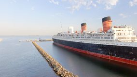 LONG BEACH CA, SIERPIEŃ, - 1, 2017: RMS Queen Mary jest oceanem Lin Fotografia Stock