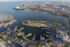 Long Beach -Regenbogen-Hafen-Vogelperspektive Stockbild