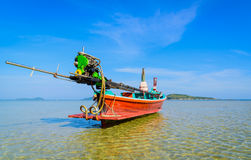 Long boat and tropical beach in Andaman Sea, Phuket Royalty Free Stock Photography
