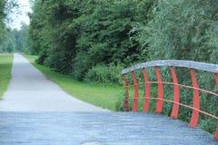 Long chemin de vieux pont photographie stock libre de droits