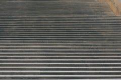 Long escalier antique en pierre Photographie stock