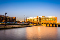 Long exposure of Bond Street Wharf, in Harbor East, Baltimore, M. Aryland Royalty Free Stock Photos