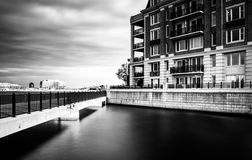 Long exposure of bridge and waterfront condominiums in the Inner Royalty Free Stock Photos
