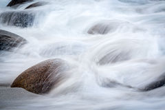 Long exposure of sea and stones on the Utakleiv beach, Lofoten i Royalty Free Stock Images