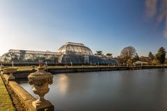 Long exposure shot of fountain and pavilion in Kew Gardens, Lond. On, UK Stock Image