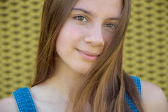 Long haired teenage girl smiling Royalty Free Stock Photos