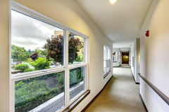 Long hallway in residential building. Royalty Free Stock Photos