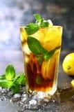 Long Island ou chá gelado do cocktail do verão de Coold com limão Imagens de Stock Royalty Free
