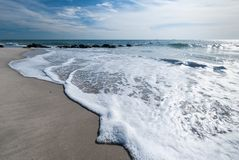 Long Island strand i November royaltyfri foto