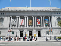 Long line on free Museum day to Asian Art Museum Stock Images