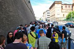 Long line to Vatican museum on May 30, 2014 Stock Photography