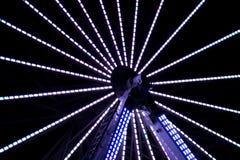 Long parc d'attractions d'exposition de nuit Photo libre de droits