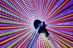 Long parc d'attractions d'exposition de nuit Image libre de droits