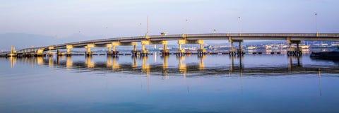 Long pont d'envergure Photos stock