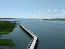 Long pont dans Port Royal photos stock