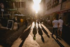 Free Long Shadows Of People Walking At Sunset Royalty Free Stock Photos - 152206438