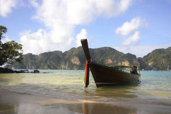 Long tail boat on the beach at koh phi phi island in Thailand in Krabi Stock Images