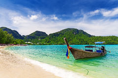 Long tail boat on tropical beach, Krabi Royalty Free Stock Photos