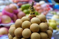 Longan trägt im Markt - Manila, Philippinen Früchte stockfotografie