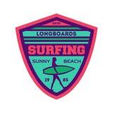 Longboard som surfar lägertappningetiketten Royaltyfri Foto