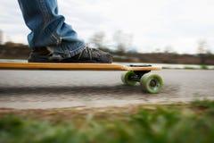 Longboarding en la 'promenade' Foto de archivo