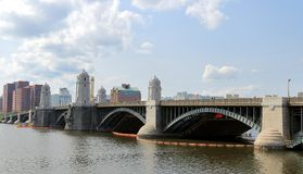 Longfellow Charles i mostu rzeka w Boston, Massachusetts obrazy stock