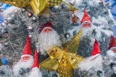 LONGHU-sterhyatt Place Kerstman binnenkerstboom op Kerstmis 2012 Stock Foto