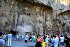Longmen cava, Dragon Gate Grottoes, na cidade de Luoyang foto de stock