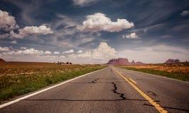 Longo caminho ao vale do monumento Imagens de Stock