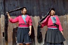 """LONGSHENG PING, †da REGIÃO AUTÔNOMA de GUANGXI, CHINA """"CERCA DO junho de 2016: Retrato das mulheres longas do cabelo da minoria fotos de stock royalty free"""