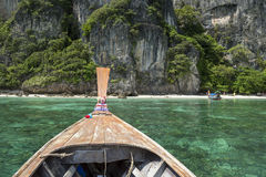 Longtail小船Krabi泰国蚊子海岛 免版税图库摄影