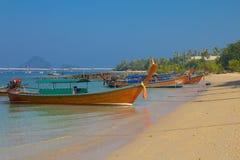 Longtail łodzie w Krabi Tajlandia Obraz Stock