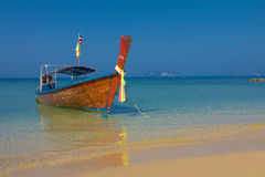Longtail łodzie w Krabi Tajlandia Obrazy Royalty Free