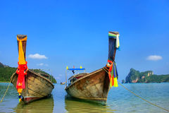 Longtail boats anchored at Ao Loh Dalum beach on Phi Phi Don Isl Stock Images