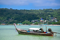 Longtail-Boot in Phi Phi Island Thailand Stockbilder