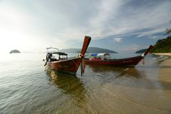 Longtail Boote Ko Adang Satun-Provinz thailand Stockfotografie
