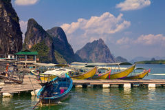 Longtail fartyg i Krabi Thailand Royaltyfri Bild