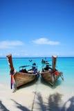 Longtails na costa Fotografia de Stock Royalty Free