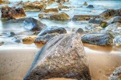 Longue exposition sur les roches ! Images libres de droits