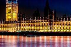Longue exposition tirée de Westminster et de Tamise Photographie stock