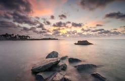 Longue exposition tirée du paysage marin chez Kelantan Photo stock