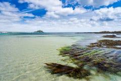 Longue plage les Cornouailles Angleterre R-U de roche Photo stock