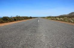 Longue route goudronnée de plan rapproché Photographie stock libre de droits