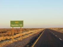 Longue route isolée vers la Namibie Images libres de droits