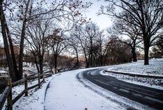 Longue route Lac grand l'Oklahoma Photos stock