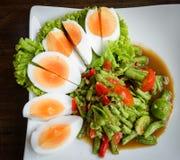 Longue salade de haricot épicée et nourriture thaïlandaise d'oeufs Photo stock
