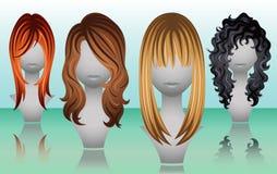 Longues perruques femelles de cheveux dans des couleurs naturelles Photos stock