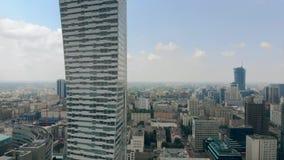 Longueur aérienne du gratte-ciel de moderm, Varsovie banque de vidéos