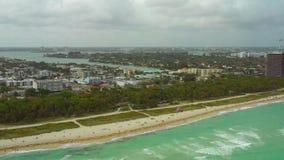 Longueur courante aérienne de Miami Beach la Floride banque de vidéos