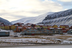Longyearbyen. A view of some of the houses in the norwegian town of Longyearbyen in Svalbard with mountains in the background Royalty Free Stock Photography